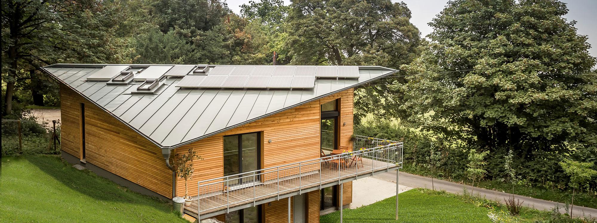 Energieeffizient bauen mit Naturholzhäusern von Gruber - vom Effizienzhaus bis zum Plusenergiehaus mit Speichertechnik