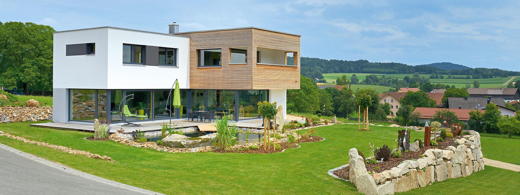 Hausbeispiel Wagner - Modernes Holzhaus in ländlicher Region