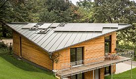 Mit Naturholzhäusern energieeffizient bauen.